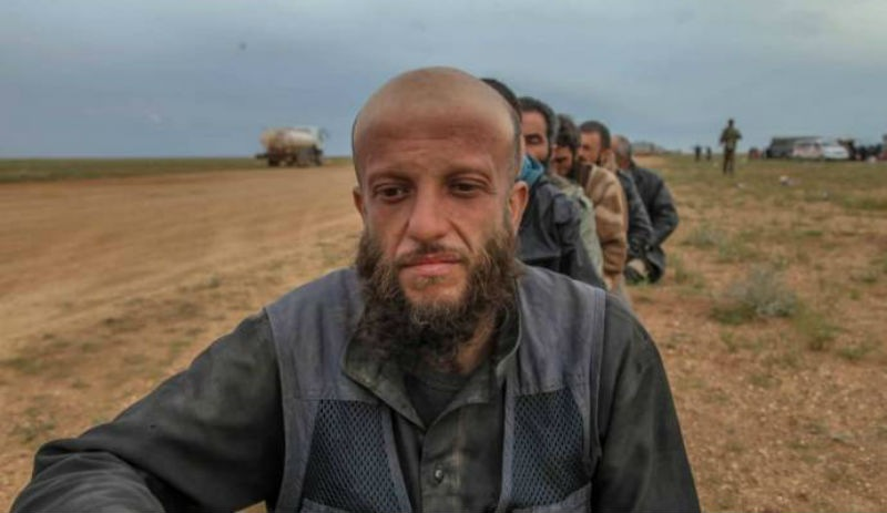 Türkiye vatandaşı çok sayıda IŞİD'li teslim oldu