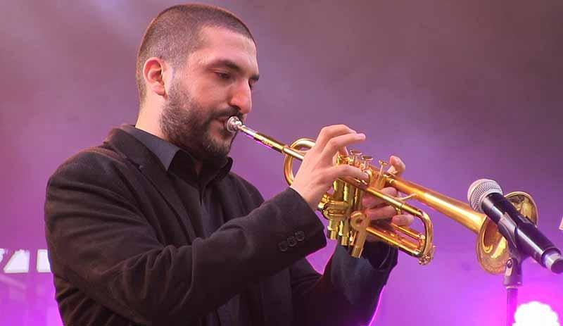 Ünlü müzisyen İbrahim Maaloufa 14 yaşında bir kız çocuğunu taciz ettiği gerekçesiyle hapis cezası verildi 75